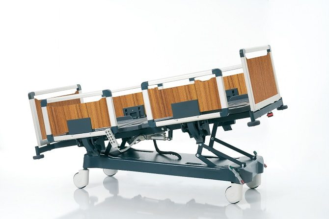 HOSPITAL BED WITH THREE MOTORS AND ALUMINIUM SIDERAILS