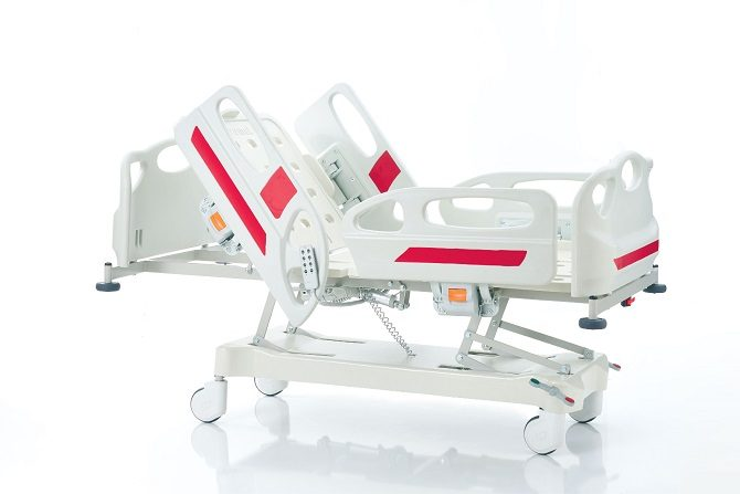 HOSPITAL BED WITH THREE MOTORS