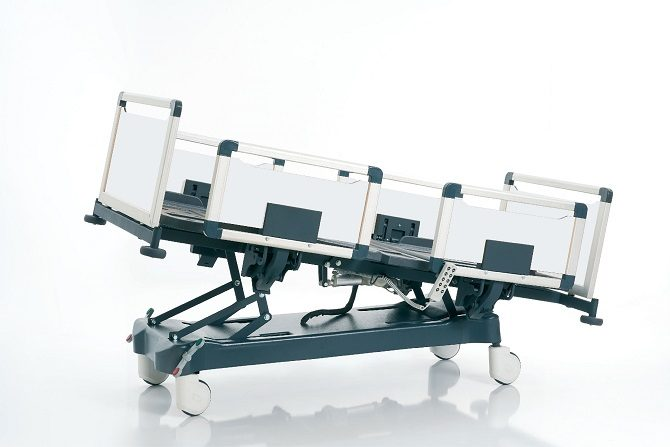HOSPITAL BED WITH FOUR MOTORS AND ALUMINIUM SIDERAILS