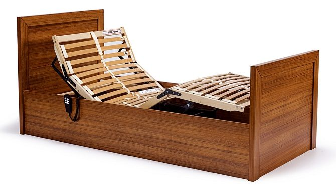 WOODEN BED WITH TWO MOTORS