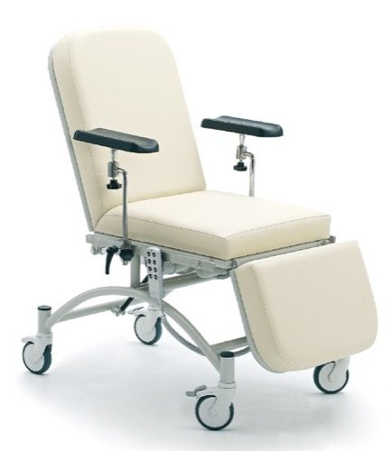 BLOOD DRAWING AND DIALYSIS CHAIR WITH THREE MOTORS