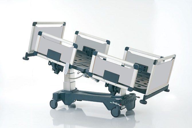 HOSPITAL BED WITH COLUMN MOTORS AND ALUMINIUM SIDERAILS