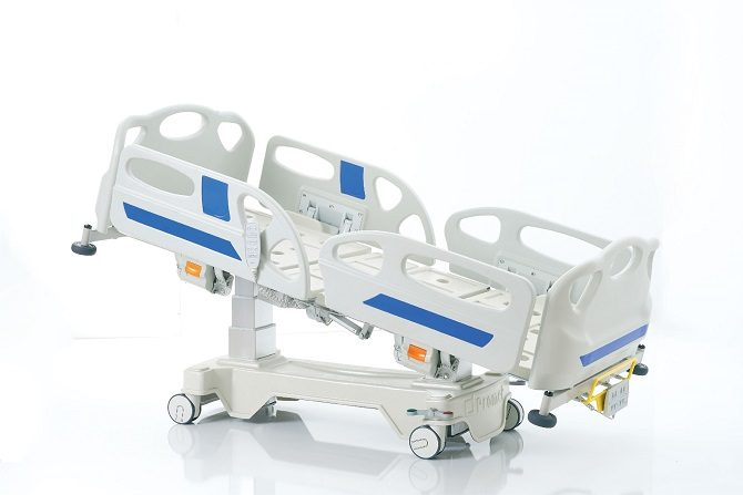 HOSPITAL BED WITH COLUMN MOTORS