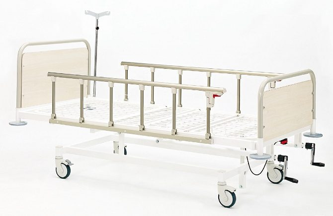 MECHANICAL HOSPITAL BED WITH THREE ADJUSTMENTS