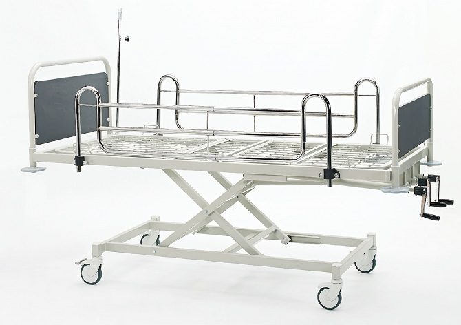 HOSPITAL BED WITH MECHANICAL HEIGHT ADJUSTMENT