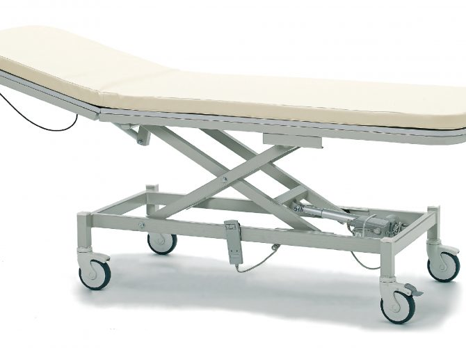 ELECTRICALLY OPERATED EXAMINATION COUCH