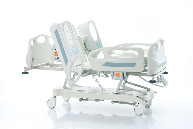 HOSPITAL BED WITH FOUR MOTORS