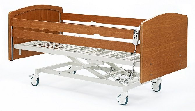 WOODEN BED WITH THREE MOTORS